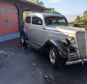 1935 Ford Deluxe Tudor for sale 101328128
