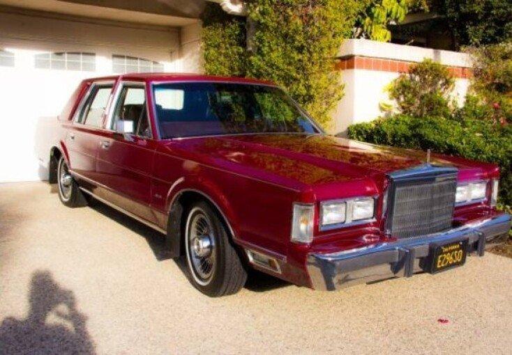 1988 Lincoln Town Car For Sale Near Woodland Hills California 91364