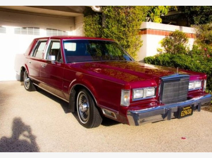 1988 Lincoln Town Car For Sale Near Woodland Hills California 91364