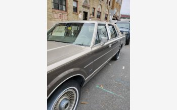1988 Lincoln Town Car Signature for sale 101237586
