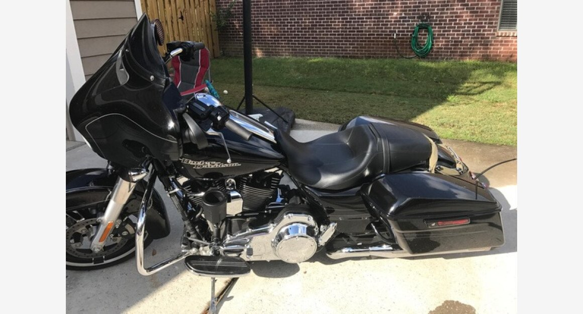 2015 Harley-Davidson Touring for sale 200523006