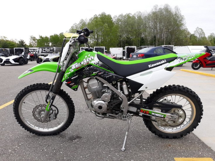 Tremendous 2019 Kawasaki Klx140L For Sale Near Mecosta Michigan 49332 Ocoug Best Dining Table And Chair Ideas Images Ocougorg
