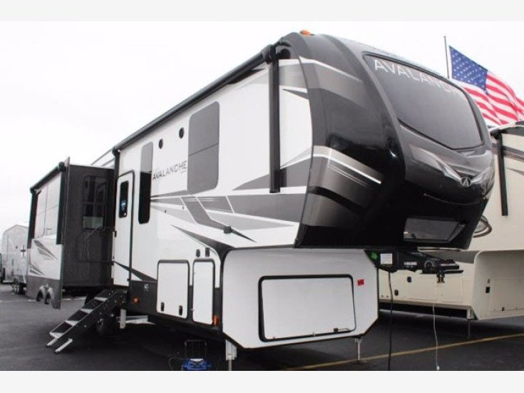 2021 Keystone Avalanche for sale 300283864