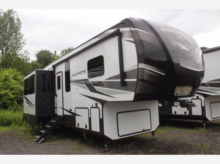 2021 Keystone Avalanche for sale 300311967