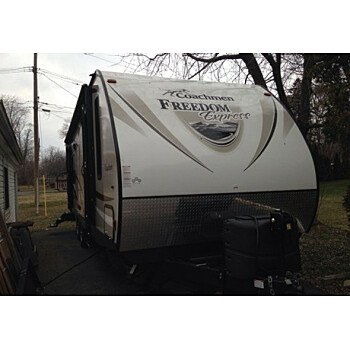 2016 Coachmen Freedom Express for sale 300163808