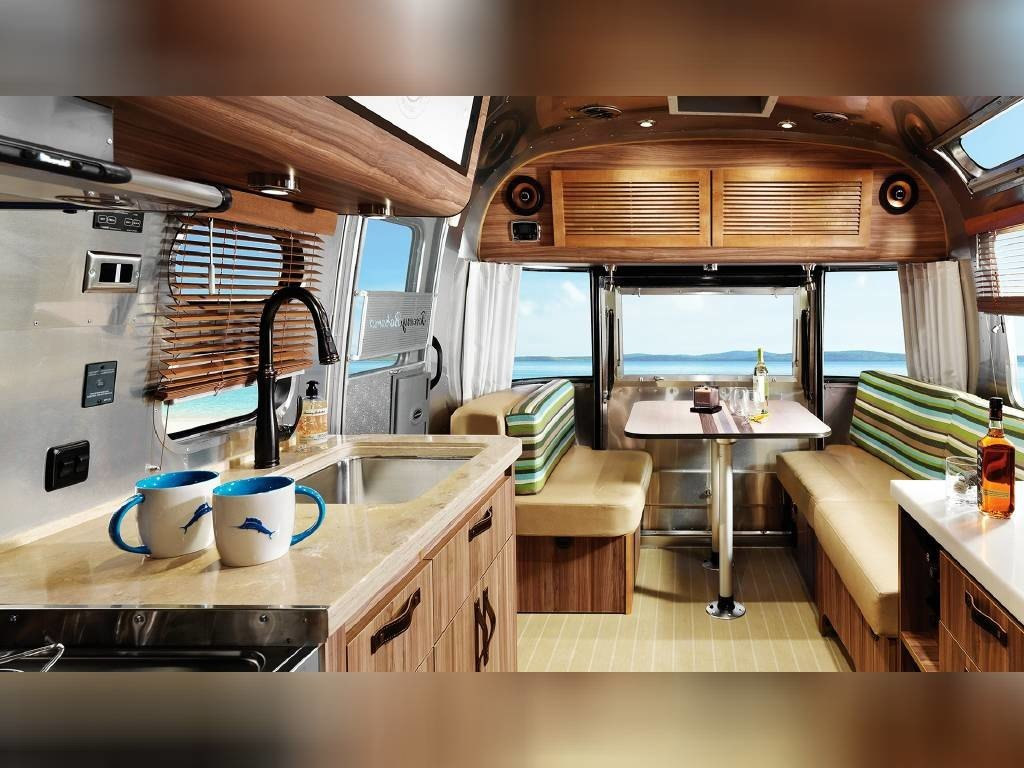 2019 Airstream Tommy Bahama 27FB for sale near Irvine ...